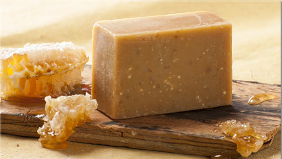 Handmade Soap | Raw Honey and Oatmeal