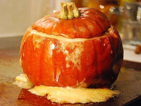 baked pumpkin cheddar fondue